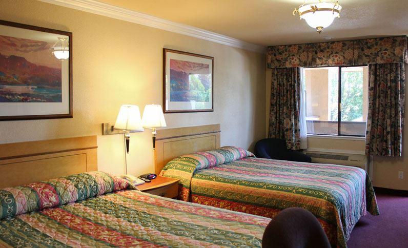 Double Queen Beds At Hotel Elan San Jose California Hotel Elan San